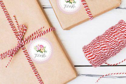 מדבקות שם דקורטיביות לעיצוב ושידרוג אריזות מתנה