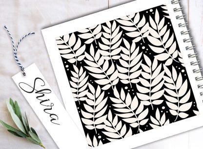 מחברת אישית, עיצוב גאומטרי - עלים בשחור/לבן, בתוספת סימניה ממותגת