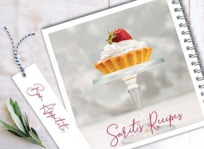 מחברת מתכוני אפיה אישיים עם שם + סימניה, בעיצוב צילום תות